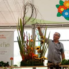 Curso Demonstrativo de Arte Floral com Batista Reis